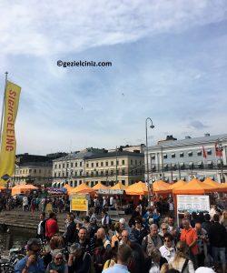 Helsinki gezilecek yerler market kalabalık