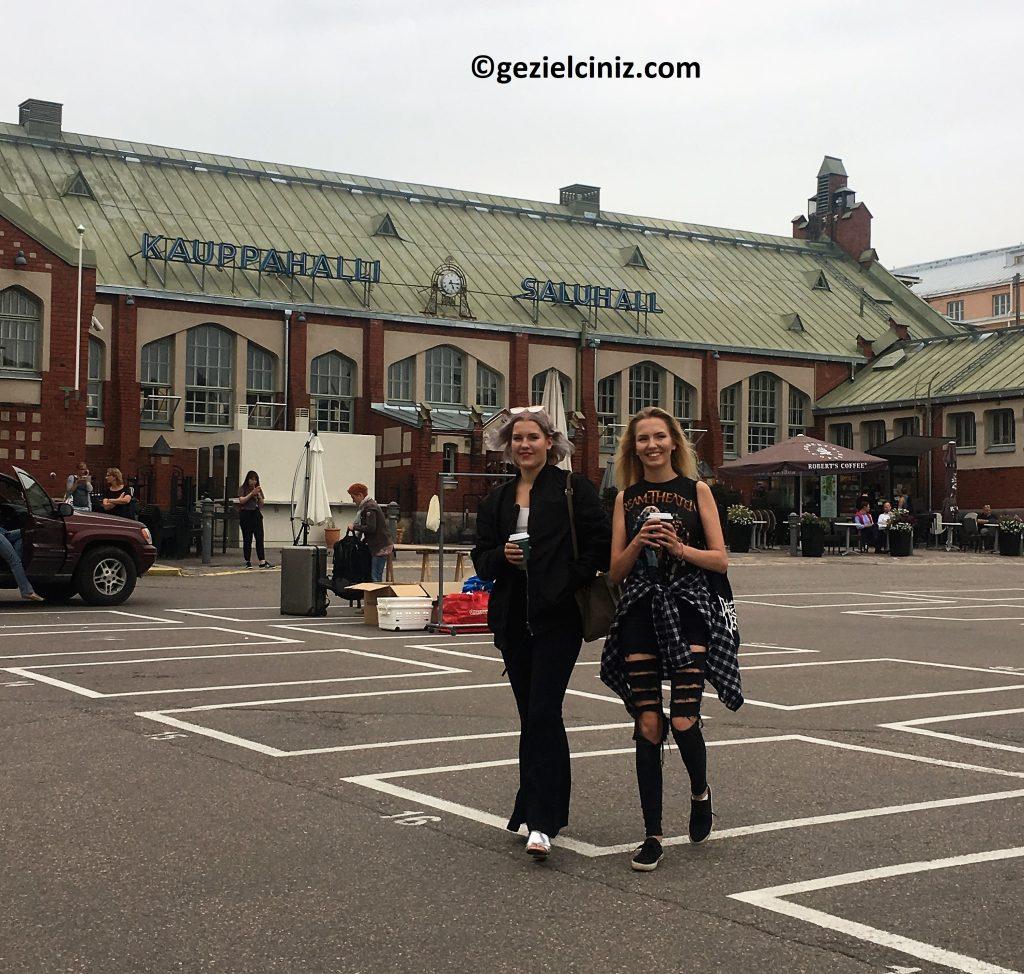Helsinki gezilecek yerler metalci kızlar