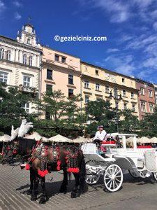 Krakow gezilecek yerler at arabası